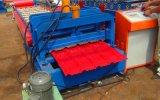 Le métal a glacé le roulis de panneau de toit de tuile formant la machine