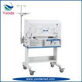 Utilisation de l'hôpital nourrisson incubateur pour les nouveau-né
