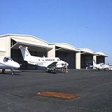 Edificio dirigido de la estructura de acero de la luz del hangar de los aviones