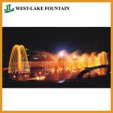 Schönes Beleuchtung-Wasser, das ringsum Pool-Brunnen für Quadrat der Leute tanzt