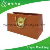 Более низкой цене из переработанных Custom печать подарочный бумажный мешок, сумку для бумаги