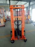 中国の工場油圧持ち上がるフォークリフトの手動フォーク手のスタッカー