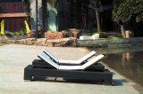 Salotto esterno del Chaise di Sunbed del rattan del patio, mobilia di vimini del giardino impostata (TG-JW102)
