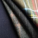 El tejido de lana Fancy satisfaciendo