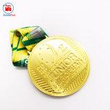 De opgeheven In een nis gezette Glanzende Gouden Zilveren Grote Medaille van het Metaal
