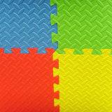 Varioud dénomme le couvre-tapis de vente chaud de casse-tête d'alphabet d'EVA de bébé