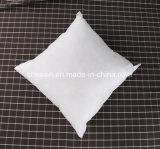 Inserto del cuscino della piuma dell'anatra di bianco del tessuto 6cm del poliestere