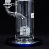 Eben gestartetes rauchendes Huka-Glaswasser-Rohr