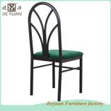 작은 술집 대중음식점은 덧대 사용해 겹쳐 쌓인 의자 (JY-R35)를 식사하는 강철을