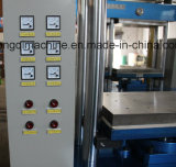 Machine froide de moulage par extrusion