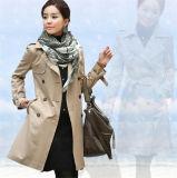 Escudo mujeres coreanas del estilo que adelgaza largo doble de pecho solapa del abrigo Trench
