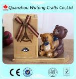 Support fait sur commande bon marché de crayon lecteur de résine avec la figurine d'ours pour la décoration de Tableau