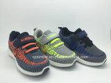 La parte superior más nueva de Flyknit del estilo para los zapatos del deporte de los niños