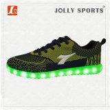 Nuevos deportes ligeros del ocio LED que funcionan con los zapatos del calzado para los hombres