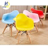 Мебель для детей и красочных Eames пластмассовый детский обеденный стул с подлокотником