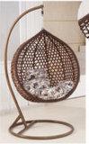 Gardernの余暇の木製のホテルの振動テラスの穏かな椅子