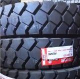 Chariot élévateur à fourche de 5 tonnes de pneus 8.25-15 8.25r15 Terminal dans l'aéroport de pneus de tracteur