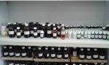 Duft-Öl mit Rolle auf Duftstoff