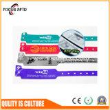 Мода дизайн ПВХ одноразовые браслет RFID для делового мероприятия и выставки