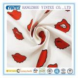 2016 alta calidad labios rojos 100% tela de poliéster de sarga para revestimientos / ropa / textiles para el hogar