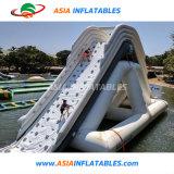 Les enfants Jouets gonflables géant gonflable flottante Bouncer glissoire d'eau avec amusement obstacle