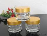 50ml annullano intorno al vaso di vetro con il coperchio a vite dell'oro