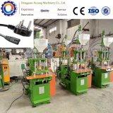 Máquina plástica vertical da modelação por injeção para plugues da C.A.