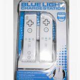 Blaue helle Gebühren-Verdoppelungstation und Batterie-Satz für Nintendo Wii