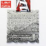 Heißer Verkaufs-kundenspezifische indische silberne EBB-Sport-Medaille mit Farbband