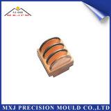 Moldeado plástico del moldeo por inyección de la precisión de encargo de la pieza del electrodo del CNC del automóvil