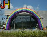 販売のために膨脹可能な虹のアーチを広告すること