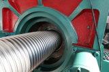 Mangueira ondulada do metal flexível que faz a máquina
