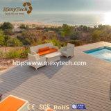 Decking composto plástico de madeira impermeável ao ar livre da resistência UV para a piscina