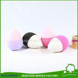 Il fondamento compone la spazzola liquida della spugna delle spazzole cosmetiche di trucco