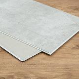 Le plance di lusso impermeabili delle mattonelle di pavimentazione del vinile di 100%/scatto di Lvt/si asciugano indietro/disposizione allentata