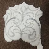 Azulejos de mosaico Waterjet del blanco y del shell de Thassos para la decoración casera