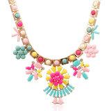 De Kleur van de Halsband van de Tegenhanger van de Bloem van de gouden-toon parelt de Manier van de Halsband van de Nauwsluitende halsketting