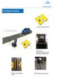 Sotto lo scanner del veicolo adibito al trasporto di persone dell'automobile per controllare obbligazione del veicolo