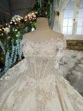 サテンのウェディングドレスのカテドラルのトレインストラップレス宮殿の結婚式