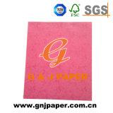 Tarjeta de color de tamaño A4 papel utilizado en el álbum Porduction