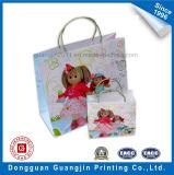 Saco de compras de papel de design colorido com alça torcida de papel