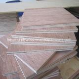 Chapa de madera Keruing Gurjan Natural/Contrachapado para el uso de la puerta