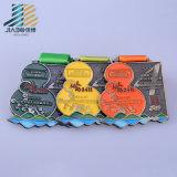 青銅色の終了する金属のフィニッシャーメダル