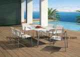 プラスチック木製のArmrestが付いている新しいデザイン屋外の食事の椅子