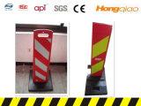 Placa de advertência plástica vermelha e branca com base de borracha preta