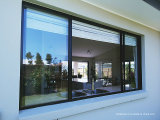 Sun Protection Aluminum Sliding Windows with Tempered Knell