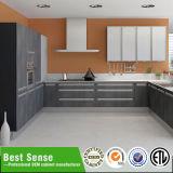 O melhor gabinete de cozinha da laca do PVC da fábrica do sentido