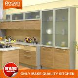 ガラスドア牧歌的な様式の食器棚をきれいにしなさい