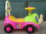 Красивые и мигающие цвета дешевого детского поверните машину можно дойти пешком