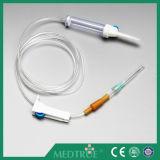 CE/ISOはセットされた熱い販売の医学の使い捨て可能な注入を承認した(MT58001211)